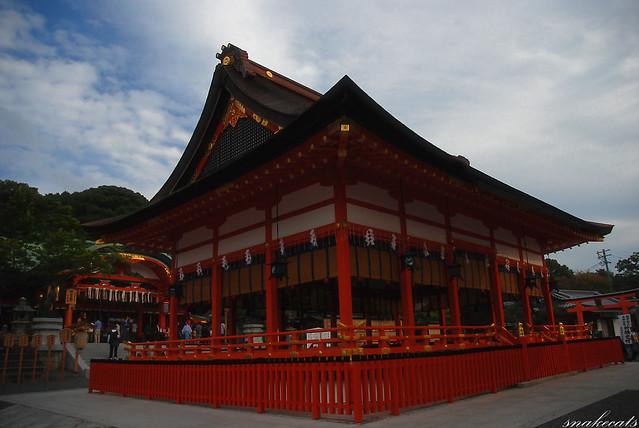 「舞台」 伏見稲荷 - 京都