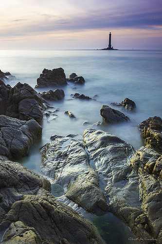 sunset mer lighthouse france coucher hague phare manche rochers rocs goury pauselente