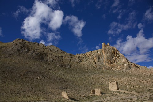travel viaje sky mountains castles landscape ruins paisaje tibet ruinas cielo fortaleza nubes himalaya fortress himalayas shigatse montañas castillos ckouds xigatse xigaze