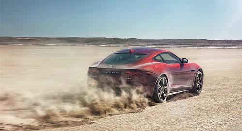 New All-Wheel-Drive Jaguar F-TYPE R Boosts Bloodhound SSC Record BID