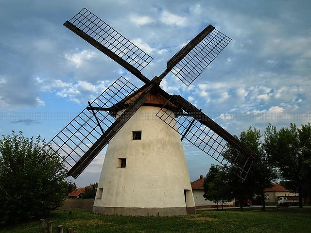 Fotó: mega4000 / Hely: Kiskundorozsma / Faragó féle szélmalom (3648x2736pixel)