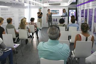 Agentes de la Ertzaintza explican los protocolos de actuación de la Ertzaintza frente a la violencia de género
