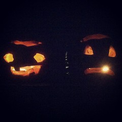 Mum had to light my crappy jack-o-lanterns for me coz i havent been home yet. Sent me a picture. Haha they are rubbish but cute. #halloween #jack-o-lanterns