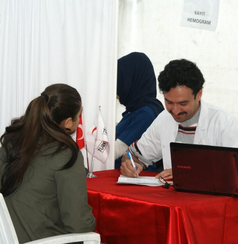 Üsküdar Üniversitesi Sahra Çadırında kan verdi… 3