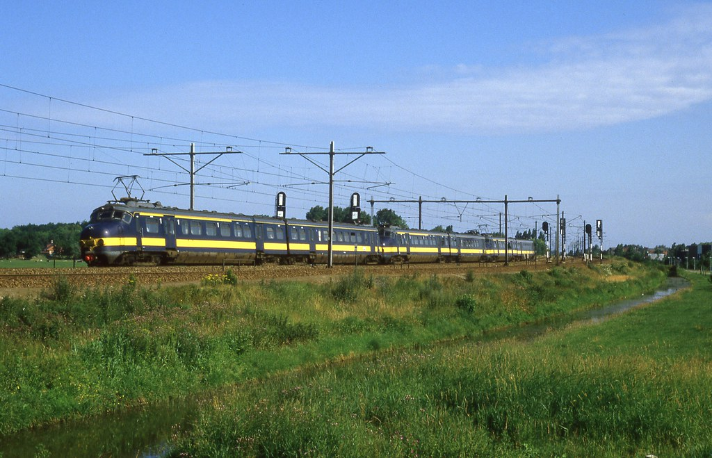 Brussels Central Station to Leiden, Centraal - 5 ways to ...