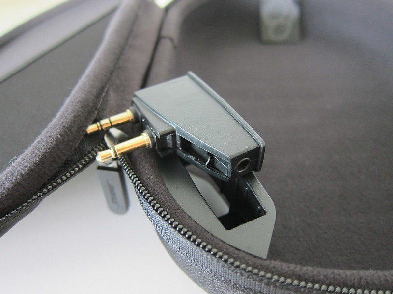 Bose QC35 - Carrying Case - Airline Adpater