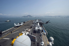 USS Makin Island (LHD 8) arrives in Hong Kong, April 7. (U.S. Navy/MC3 Devin M. Langer)