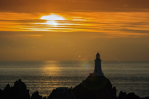 sunset lighthouse jersey bailiwickofjersey sonya580 enricoraimondo lecourbierelighthouse lecourbiere