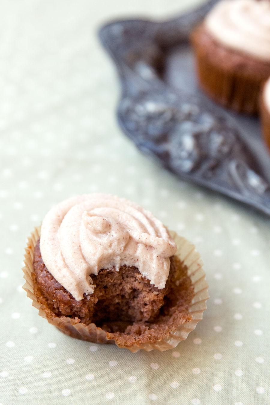 rtdbrowning-applesauce-cupcakes-05