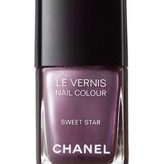 Now on Chanel.com #ChanelSweetStar I really want this polish! #ChanelMakeup #BBlogger #ChanelAddict #VogueFNO #Shopaholic #LeVernis #MustHave #ChanelNailPolish #SweetStar #MakeUpAddict #LoveThis #WooHoo #NailPolish #Vogue #FNO
