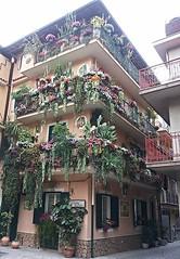 Mazzeo di Taormina - I balconi di Pancrazia e Pina Curcuruto