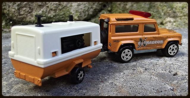 N°382 Land Rover + Compresseur  15038896663_5e3e0beede_z