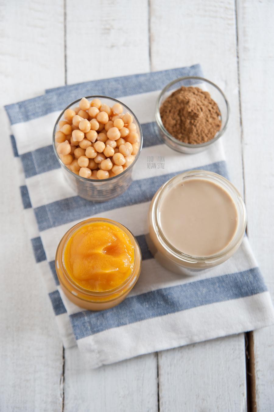 Hummus with pumpkin and garam masala