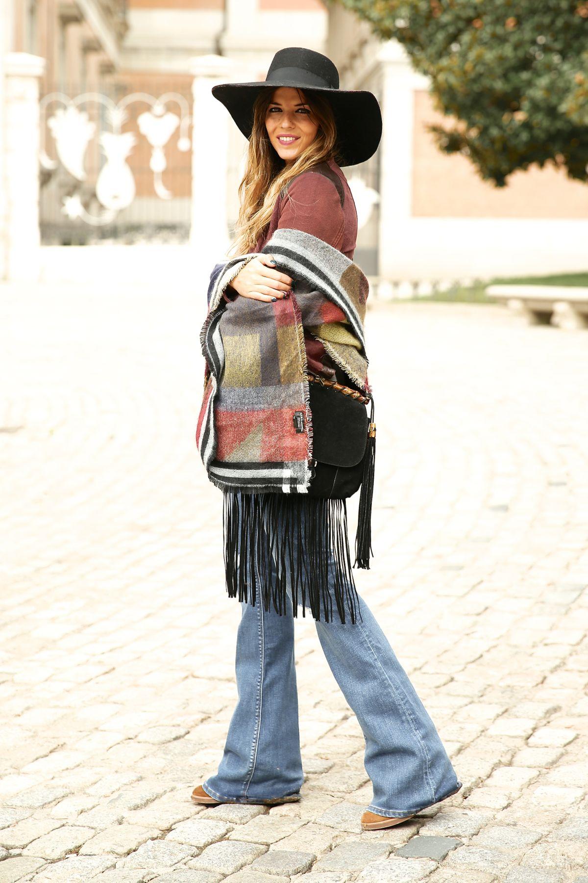 trendy_taste-look-outfit-street_style-ootd-blog-blogger-fashion_spain-moda_españa-AD-adolfo_dominguez-amaia_salamanca-boho-hippie-sombrero-hat-biker-flecos-fringes-10
