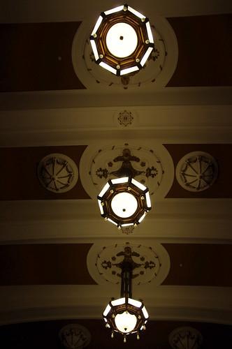 開港記念会館の天井照明