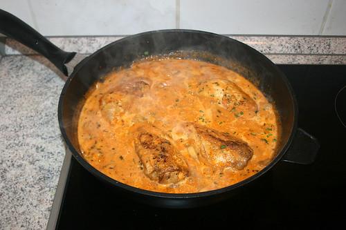 47 - Hähnchen zurück in Pfanne geben / Put chicken back in pan