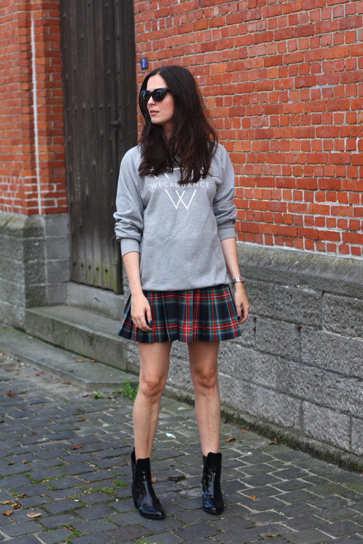 outfit sweatshirt plaid skirt patent boots