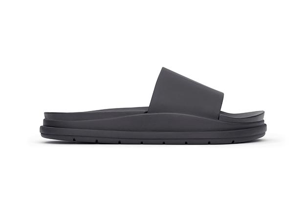 1413416136016_Alexander-Wang-for-H-M-Lookbook-Leather-Slipper