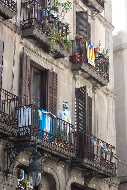 Barcelona with Kids: Barri Gotic | Family Travel