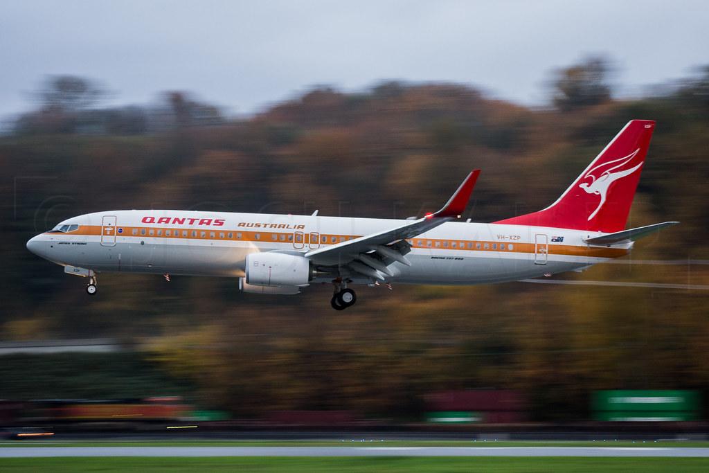 Qantas 737 Retrojet VH-XZP
