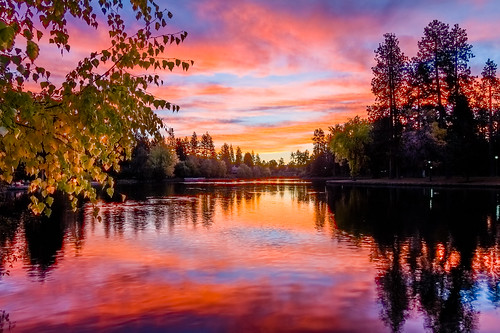 park oregon sunrise river mirror pond scenery northwest bend deschutes drake hdr