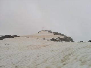 Gipfelkreuz Großer Kinigat in Sicht