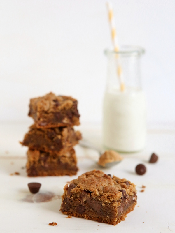 Whole Wheat Peanut Butter Chocolate Chip Cookie Bars | completelydelicious.com