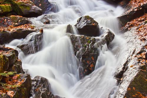 automne cascades feuilles rochers dunlop chelsey parcdelagatineau watherfall ruisseaudunlop