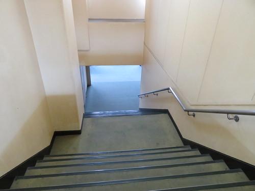 佐賀競馬場のパドックに行く階段