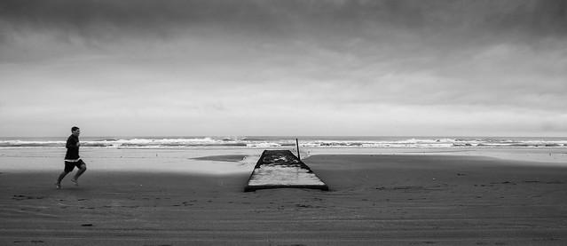 20170327_4261_7D2-17 Beach run in the rain