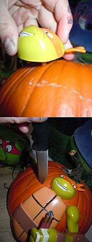 "GEMMY :: Nickelodeon  TEENAGE MUTANT NINJA TURTLES;  ""MICHELANGELO""  PUMPKIN PUSH-IN DECORATING KIT vi / ..careful knife poke hole can help with push-in. (( 2014 ))"
