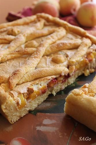 Пирог с персиками и малиной из ночного теста 032