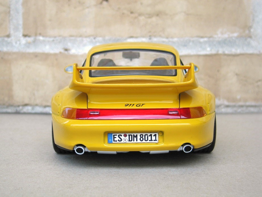 porsche 911 gt2 ut models diecast porsche 911 993 gt2 modelcar ut models 1 18 in yellow owned. Black Bedroom Furniture Sets. Home Design Ideas
