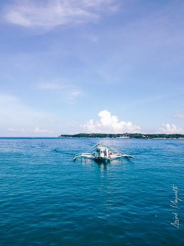 blue sunset beach sand philippines boracay ph malay iphone 2014 westernvisayas thomsonreuters bluebeaches arvindmanjunath motofotog