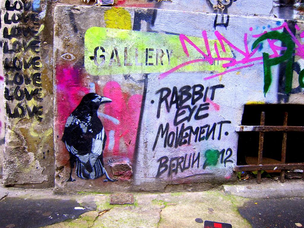 stencil   cazl   berlin . haus schwarzenberg