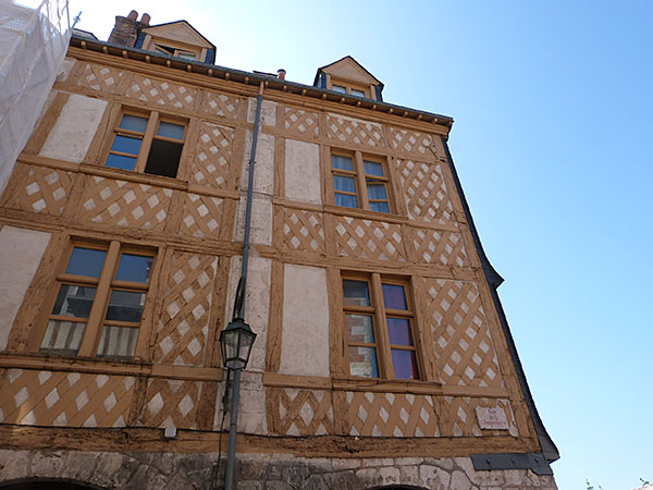 façade brune