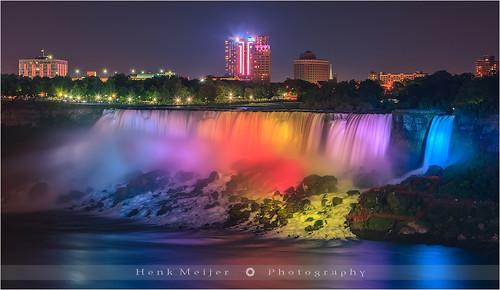 longexposure canada colors america canon photography niagarafalls us waterfall buffalo colorful le colourful lightshow americanfalls floydian canoneos1dsmarkiii henkmeijer
