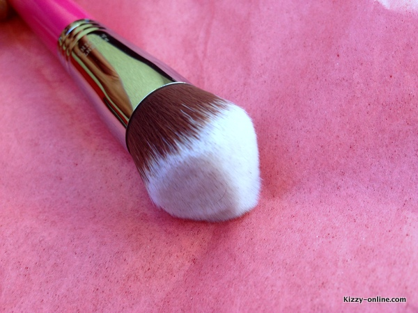 Sigma Beauty brushes brush review new 3D HD Kabuki Flat Top