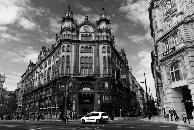 Parisi Udvar, Budapest