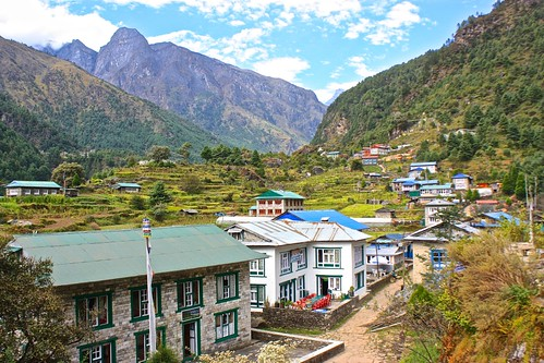 continuing towards Lukla