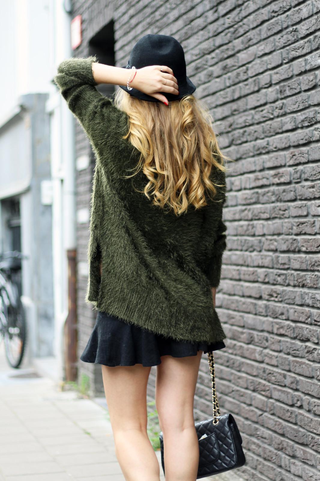 sweater&skirt
