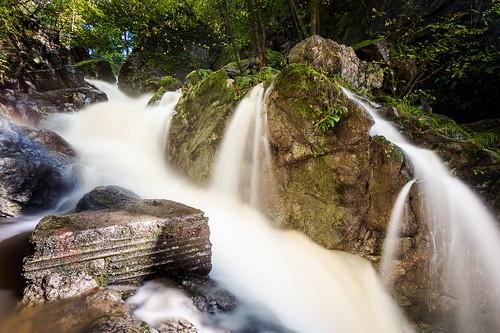 southwales wales canon waterfall breconbeacons waterfalls cascades cascade pontneddfechan neath heavyrain glynneath 70d valeofneath dinasrock waterfallcountry sychrydcascades oliverherbold