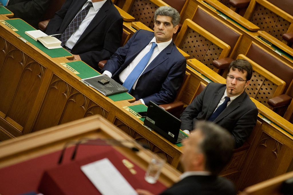 A parlament plenáris ülése