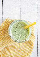 Green smoothie with pineapple,maca and lamb's…