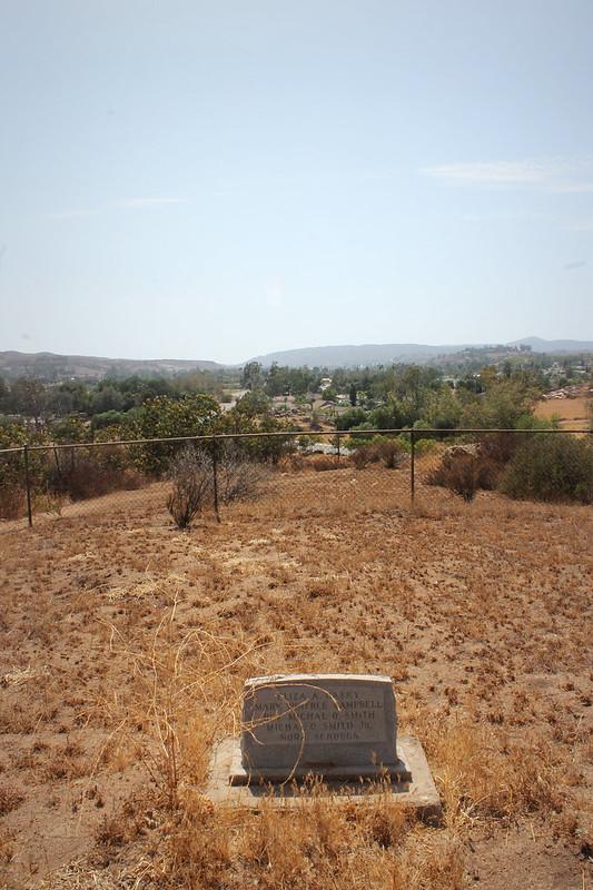 Smith Pioneer Cemetery