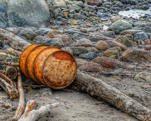 autumn beach norway landscape garbage rust hdr northseatrail sonynex5