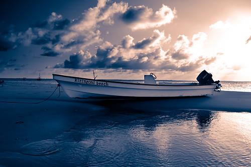 sunset boat kenya lamu processed beachscape shela kizingonibeach