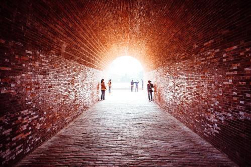 light red brick canon landscape taiwan tunnel 24mm tainan 台灣 台南 f28 古蹟 2470mm iso50 5d2 517129 yuishangphotography