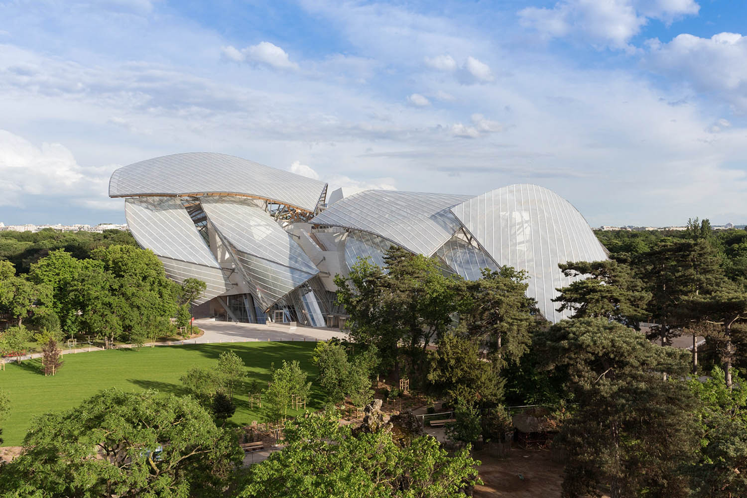 mm_Fondation Louis Vuitton design by Gehry Partners_02