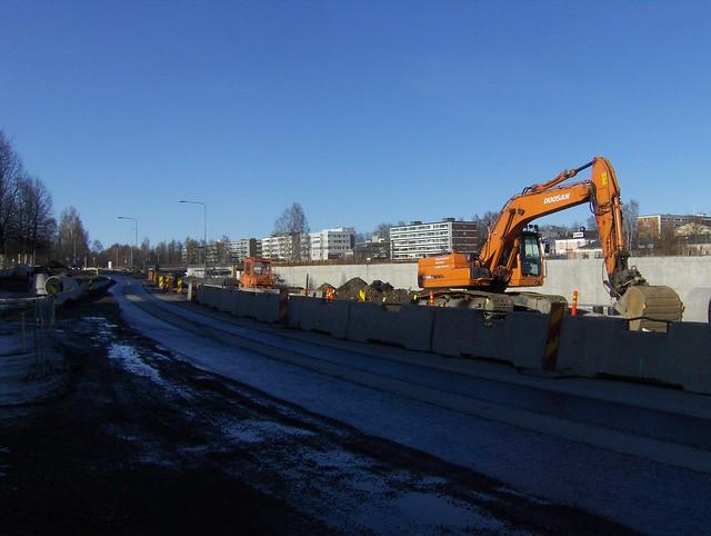 Hämeenlinnan moottoritiekate ja Goodman-kauppakeskus: Työmaatilanne 18.3.2012 - kuva 9